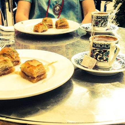 Turkish coffee and baklava @Lokanta Oase, Brunnengasse ̏ © J.Vuković